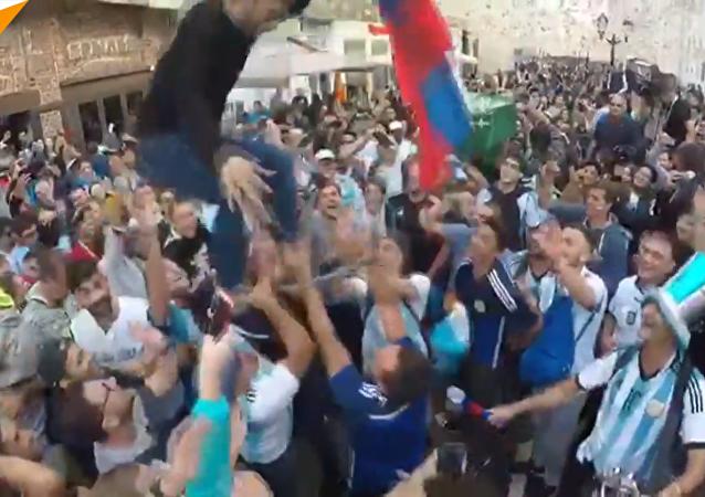 外國球迷莫斯科街頭漫步