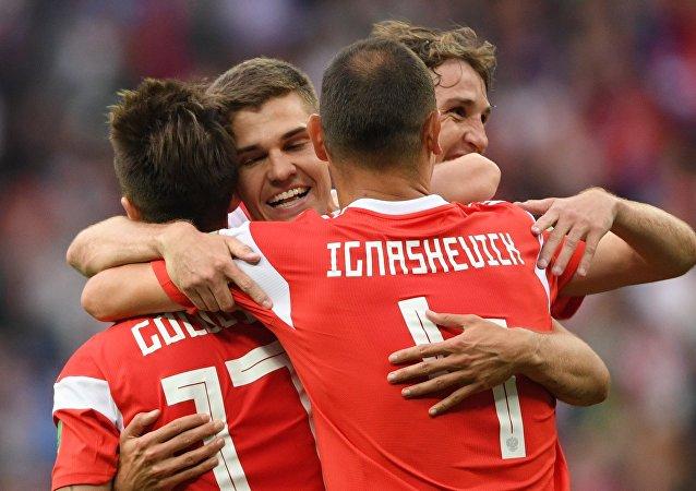国际足联最新排名:俄罗斯上升5位