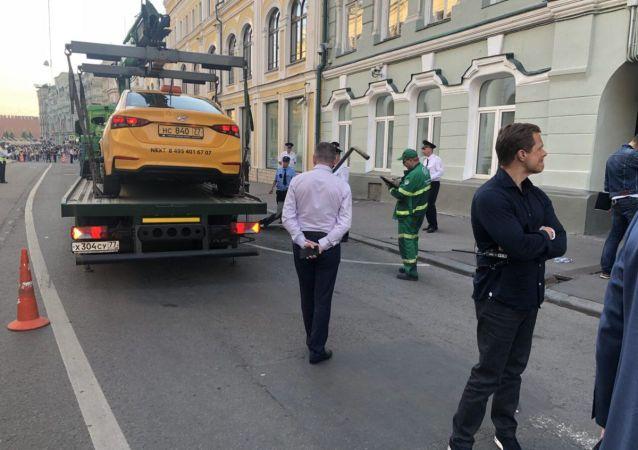 莫斯科撞行人的出租车司机称搞错油门刹车踏板