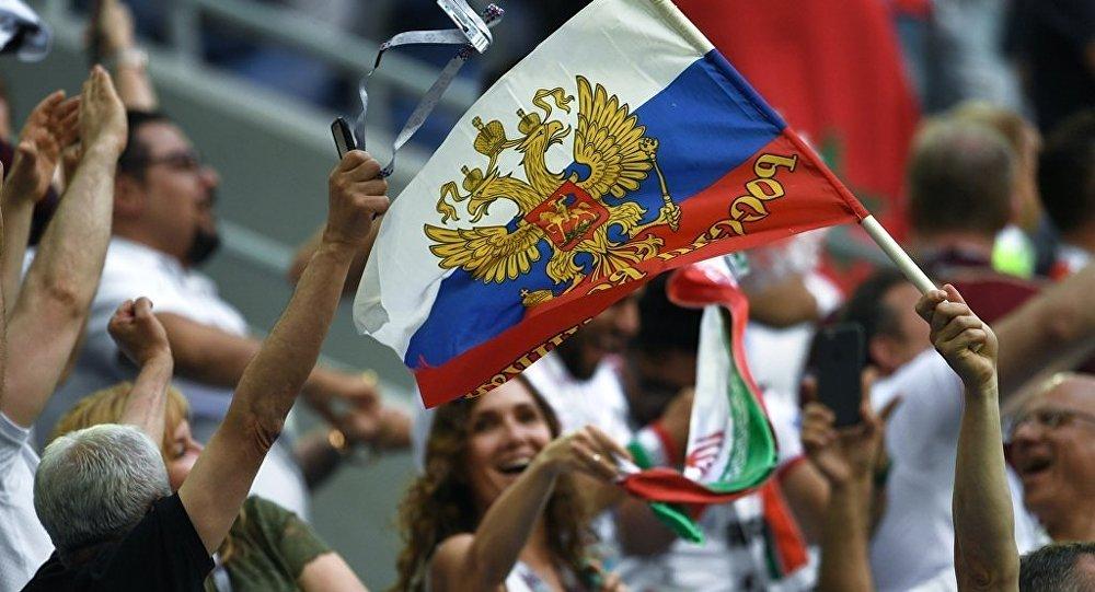 民调:俄罗斯队赢下首战后俄民众对世界杯的热情上涨