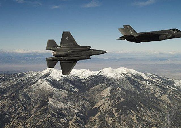 媒体:美五角大楼与洛克希德·马丁公司达成F-35战机采购协议