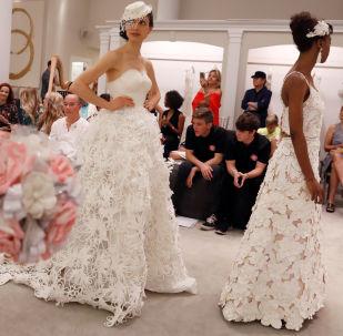 卫生纸婚纱