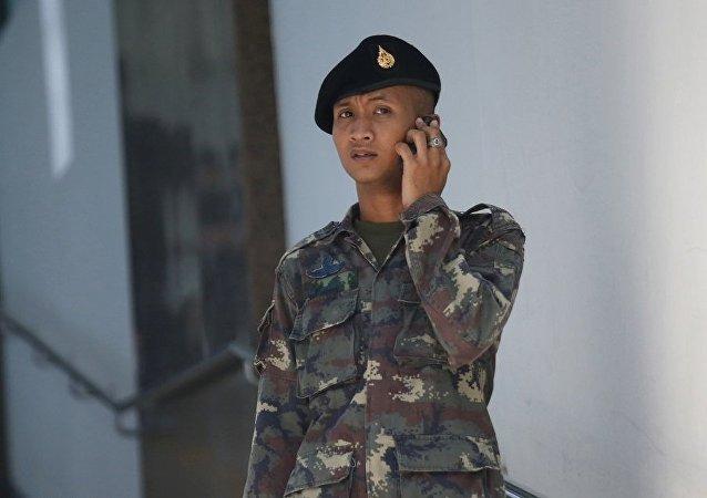 泰國警方逮捕一名攜帶40枚自制炸彈的武裝分子