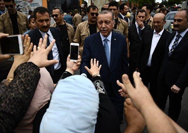 埃爾多安在土耳其總統選舉中保持領先