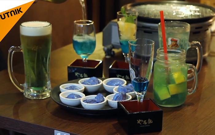 """日本烧肉店推出""""蓝色烧肉"""""""