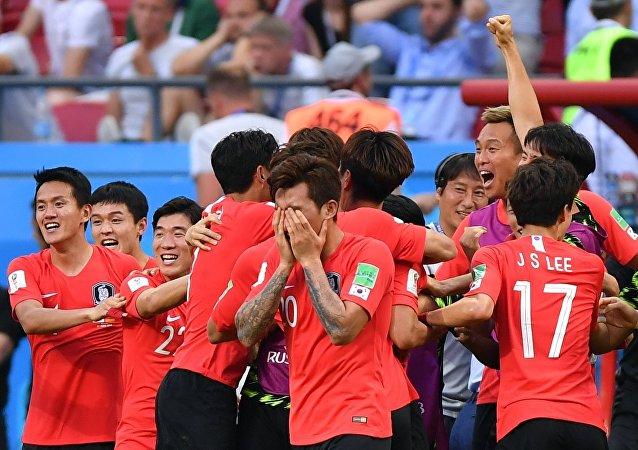 韩国孙兴慜第三次当选亚洲最佳海外球员