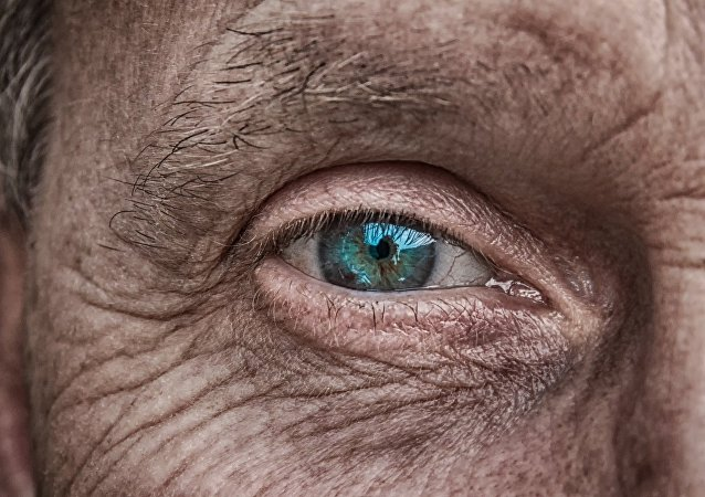 世界最老的男子在英国去世 终年112岁