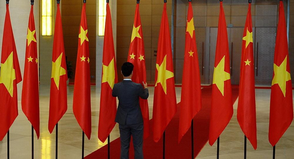 越中最高领导人通电话讨论两国关系