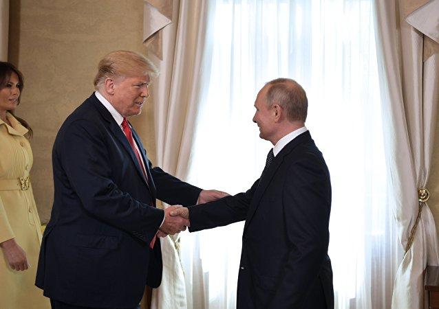 中方欢迎俄美领导人赫尔辛基会晤