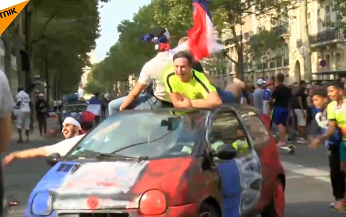 法国庆祝在2018世界杯上获胜