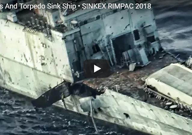 视频实拍美国军舰沉没