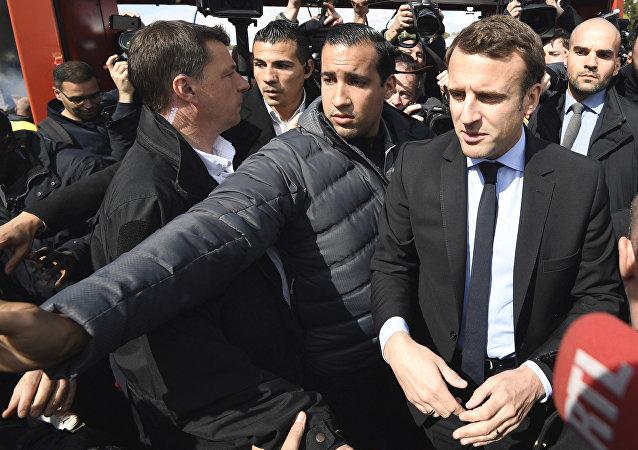 法国总统顾问因殴打一名抗议者被拘役