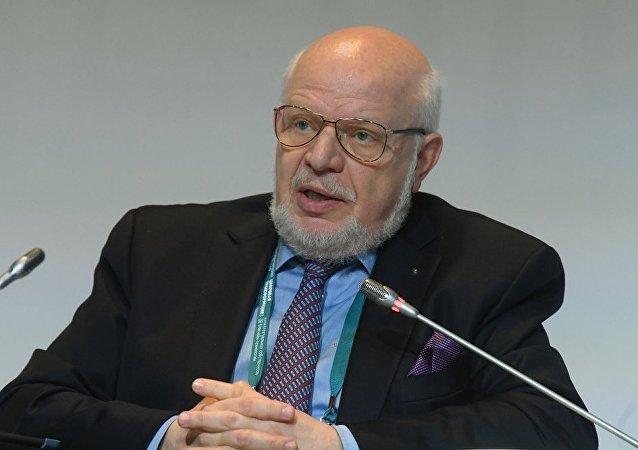 俄人权委员会向美国民权委员会提议定期接触