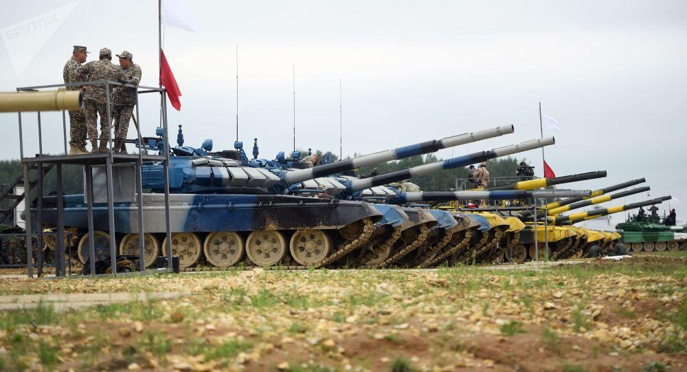 """俄坦克手差27秒创造""""坦克两项""""新纪录"""