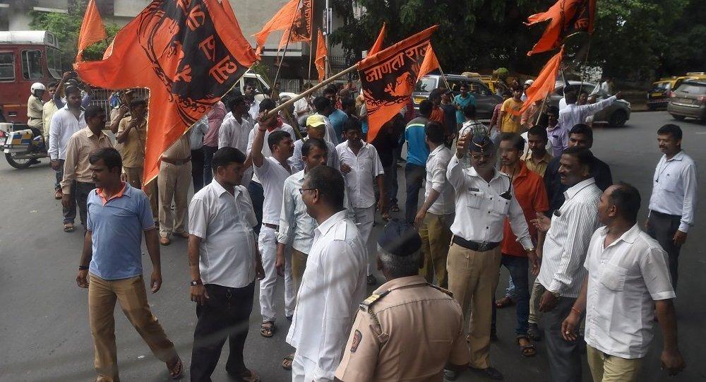 孟买抗议活动期间约450人被拘留