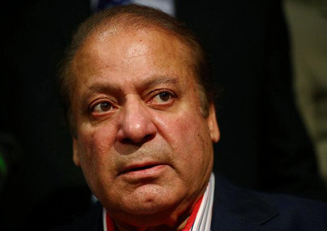 巴基斯坦法院判处前总理谢里夫七年监禁