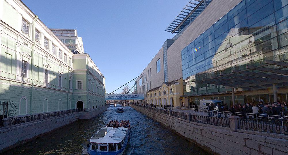 马林斯基剧院的新旧建筑