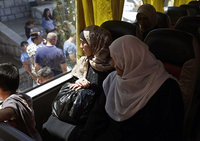 近1300名难民一昼夜内从境外重返叙利亚