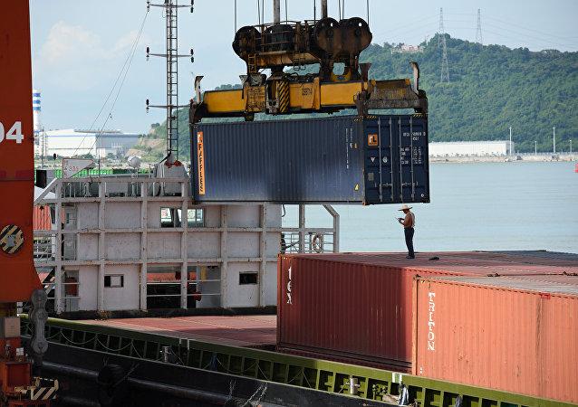 俄总统普京表示,中美贸易战为俄罗斯创造机遇