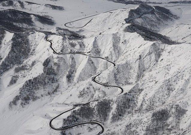 阿尔泰山区雪崩造成7名游客遇难