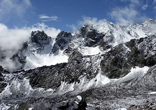 三名在塔吉克斯坦受伤的俄罗斯登山者已出院