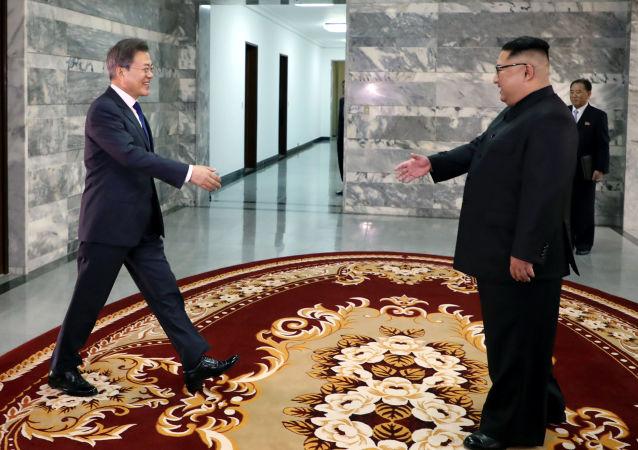 韩朝领导人首次会晤