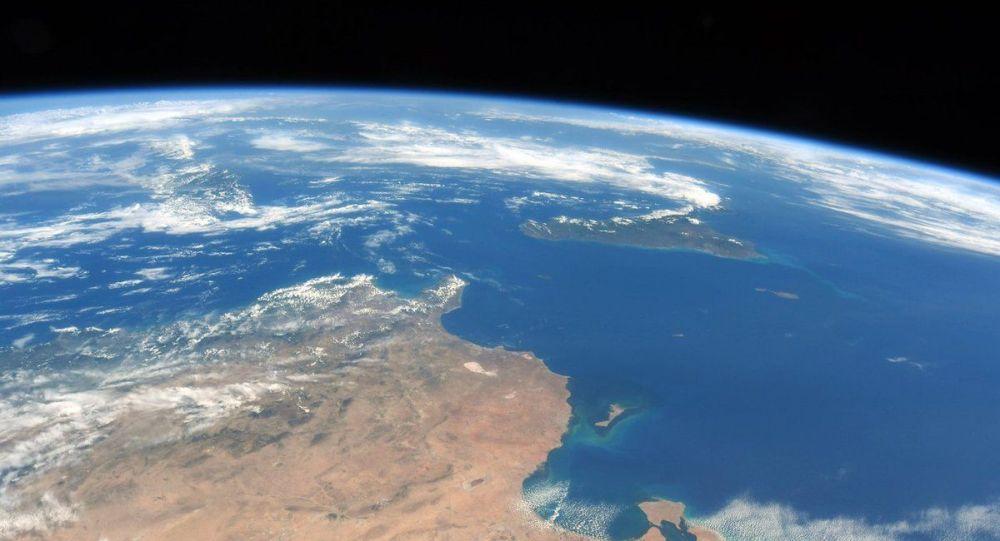 俄罗斯将发射卫星探索大气层臭氧空洞形成规律