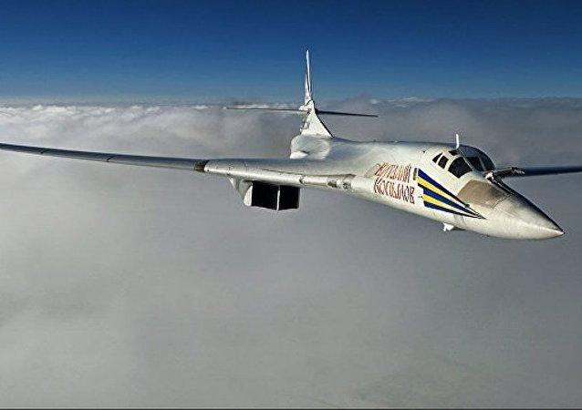 俄图-160战略轰炸机
