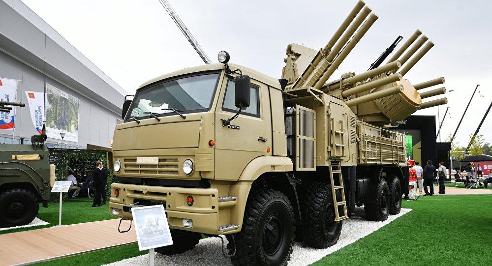 """""""铠甲-S1""""弹炮合一防空系统"""