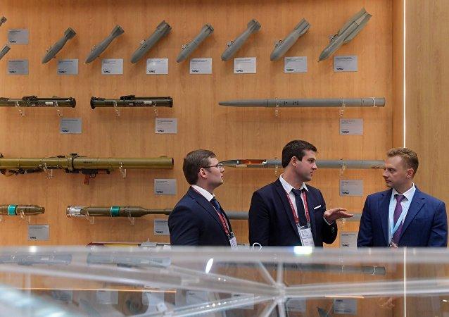 俄机械制造技术集团:新型钻孔机集束炸弹的国家测试期限向后推迟一年