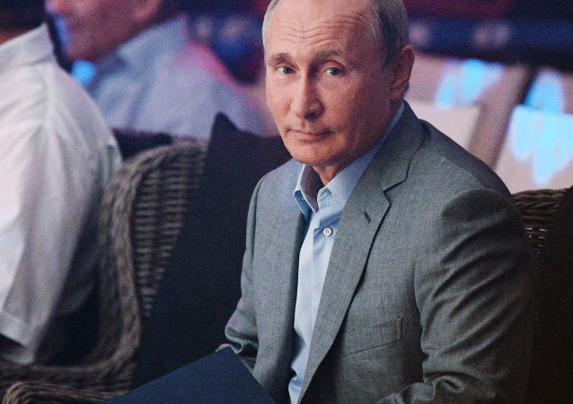 普京10月份继续被评为俄罗斯最具影响力政治家