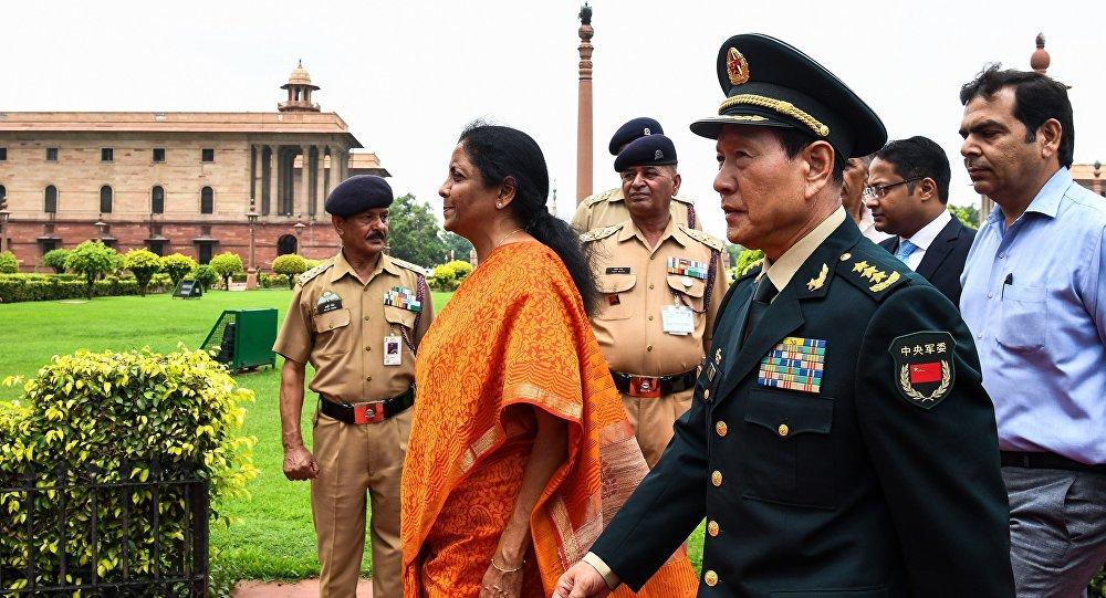 中印两国加强军事领域互信
