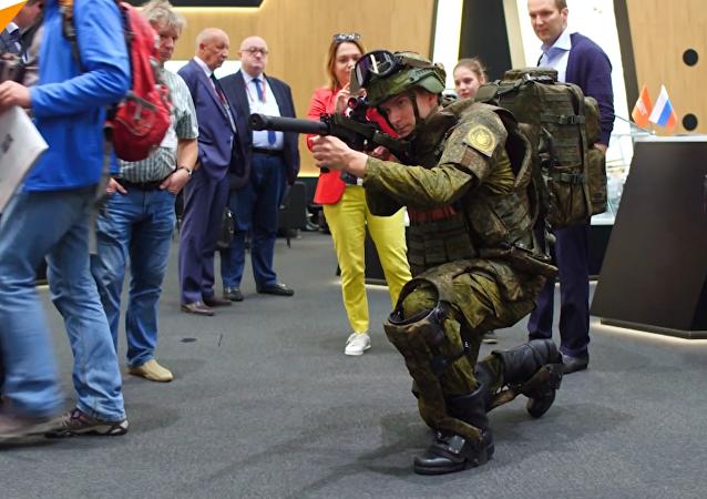 """俄罗斯技术集团公司为""""未来战士""""的装备提供动力服"""