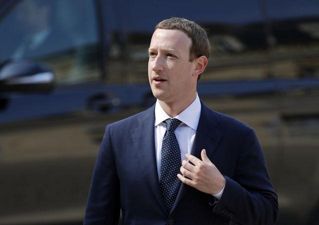扎克伯格赞同对Facebook Messenger端到端加密保护