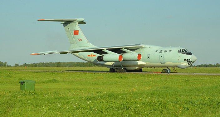 印度空军展示了伊尔-76军用运输机