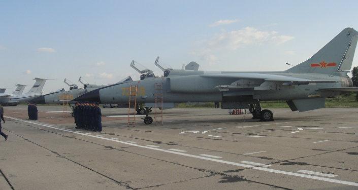中国空军展示的作战设备是歼轰-7A战斗轰炸机