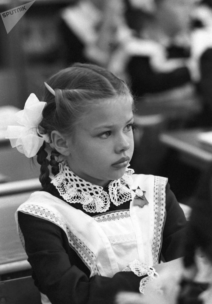 一年级新生,1983年。