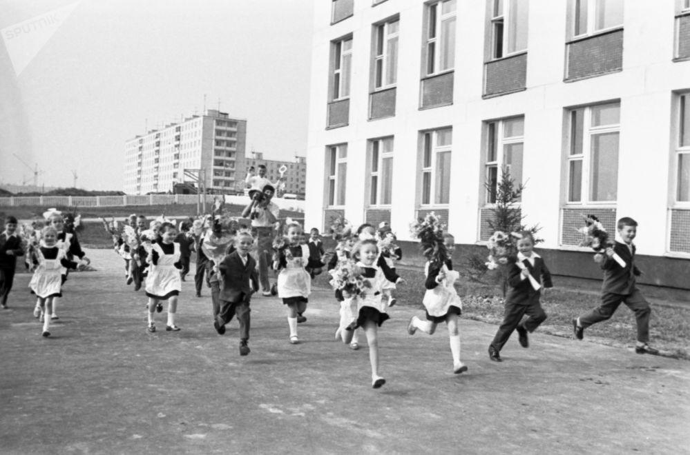 苏联的学校。1974年。