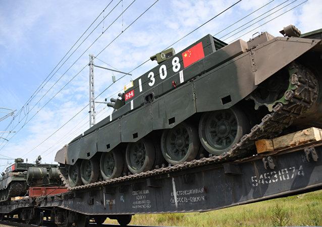 中国军队军事设备抵达外贝加尔斯克卸货站