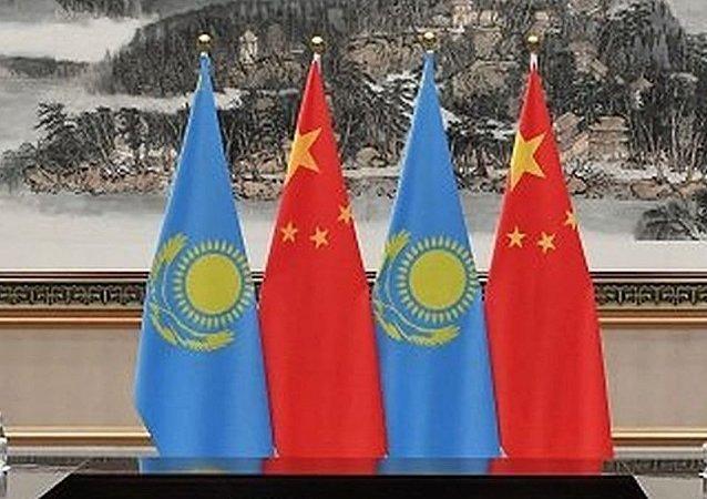 """中国领导人邀请纳扎尔巴耶夫参加北京""""一带一路""""论坛"""