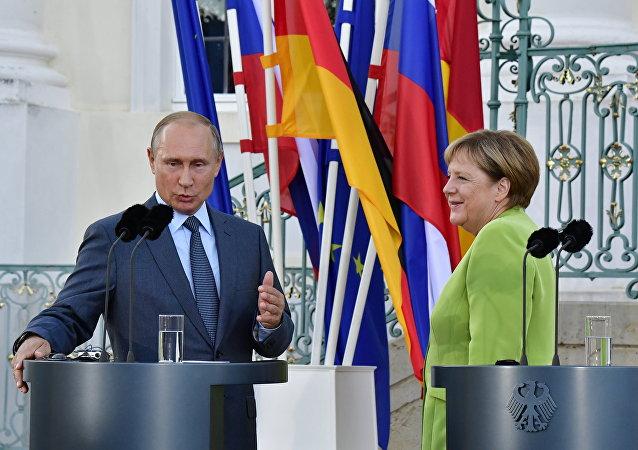 德国总理:与俄土两国领导人探讨叙伊德利卜局势