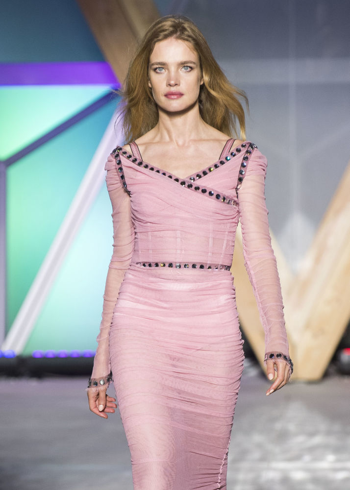 超模纳塔利娅·沃佳诺娃在戛纳Fashion For Relief 2018慈善秀上