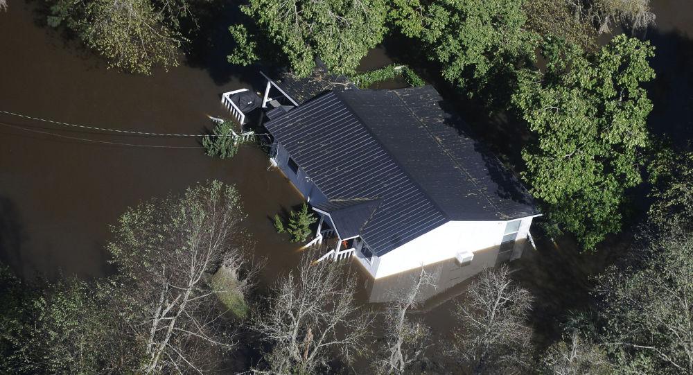 媒体:热带风暴造成90多万美国用户停电