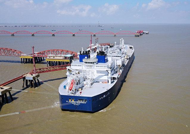 中国海关总署:一季度中国原油和天然气进口分别增加5% 和1.8%