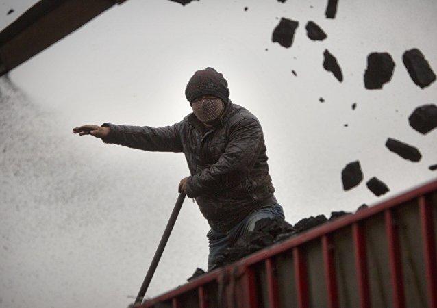 俄铁路公司指出对俄罗斯向中国集装箱运输煤炭的需求增加