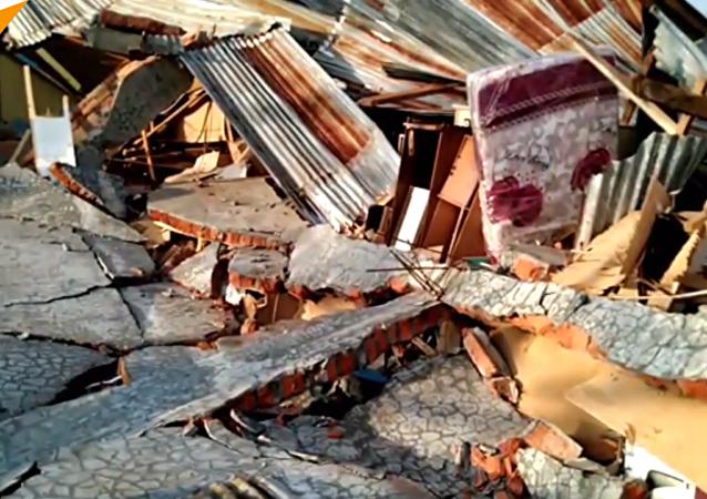 印尼地震引发海啸