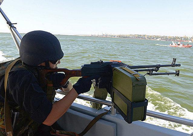 乌克兰海岸警卫队在 亚速海