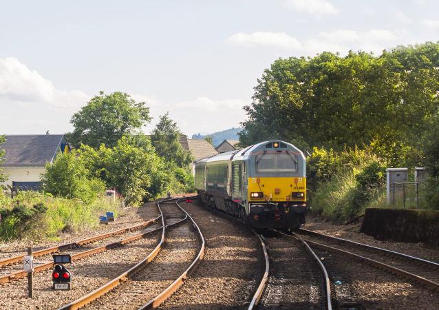 媒体:苏格兰东北部一客运列车脱轨