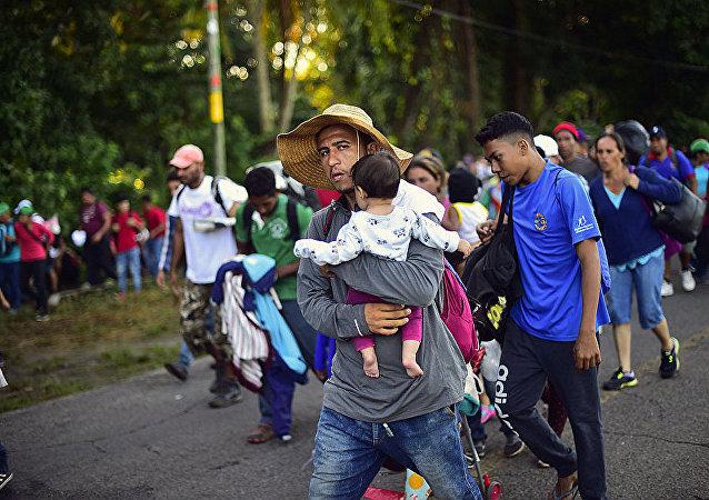 向美国移动的洪都拉斯移民在墨西哥