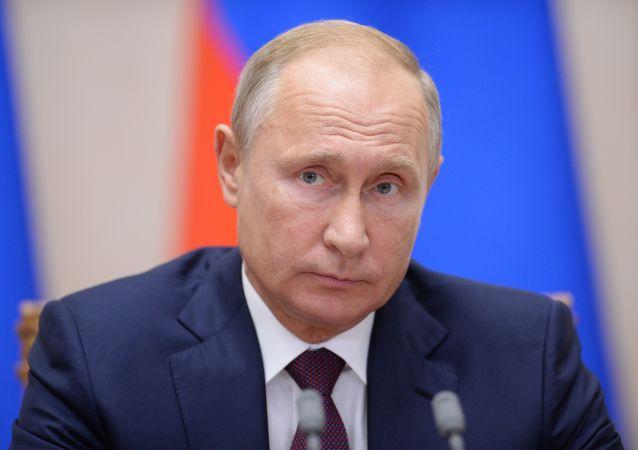 普京表示,俄罗斯准备同美国进行对话,反正不是莫斯科退出中导条约